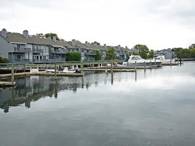 콘도미니엄 for sales at Stunning Waterfront Condo With a 46 Foot Dock 119 Gregory Boulevard #37  Norwalk, 코네티컷 06855 미국