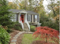 Maison unifamiliale for sales at Picture Perfect Bungalow In Peachtree Hills 2144 Virginia Place  Peachtree Hills, Atlanta, Georgia 30305 États-Unis