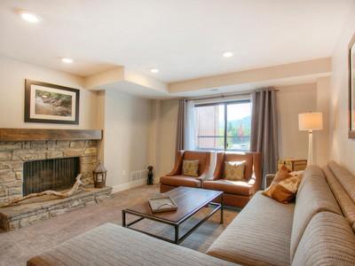 Nhà chung cư for sales at Fully remodeled 2 bedroom 3 bathroom ski condo sleeps 8 1445 Lowell Ave #4208  Park City, Utah 84098 Hoa Kỳ