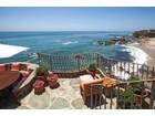 Maison unifamiliale for  sales at 2099 Ocean Way  Laguna Beach, Californie 92651 États-Unis