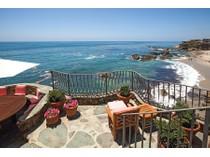 Nhà ở một gia đình for sales at 2099 Ocean Way    Laguna Beach, California 92651 Hoa Kỳ