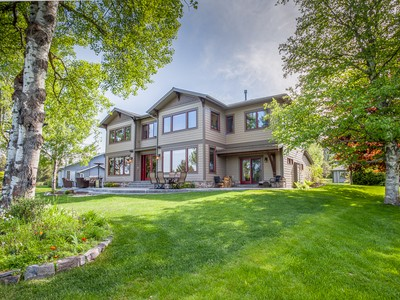 Villa for sales at Golf Course Living 15 Green Place Whitefish, Montana 59937 Stati Uniti