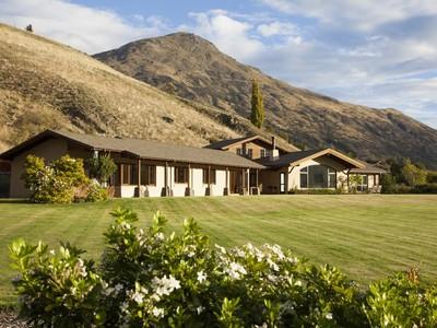 Частный односемейный дом for sales at 61 Alec Robins Road, Lake Hayes, Queenstown 61 Alec Robins Road Lake Hayes Queenstown, Саутерн Лейкс 9371 Новая Зеландия