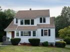 Villa for sales at Updated Colonial with Open Floorplan 25 Devon Avenue  Norwalk, Connecticut 06850 Stati Uniti