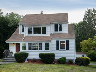 Casa Unifamiliar for sales at Updated Colonial with Open Floorplan 25 Devon Avenue Norwalk, Connecticut 06850 United States