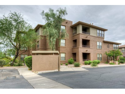 Copropriété for sales at Outstanding Renovated Luxury Condo in The Venu at Grayhawk 19777 N 76th Street #2254 Scottsdale, Arizona 85255 États-Unis