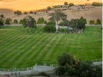 Ferme / Ranch / Plantation for sales at One Of The Nicest & Well Maintained Ranch! 76540 Indian Valley Road   San Miguel, Californie CA États-Unis