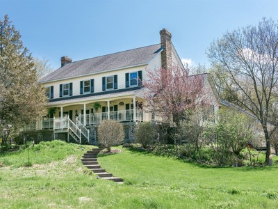 Casa Unifamiliar for sales at Swamp Angel Farm 9928 Hillandale Rd. Richmond, Illinois 60071 Estados Unidos