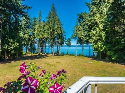 Nhà ở một gia đình for sales at Falcon Crest 4265 West Island Highway  Qualicum Beach, British Columbia V9K2B1 Canada