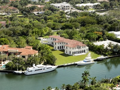 Casa Unifamiliar for sales at 325 Leucadendra Drive  Coral Gables, Florida 33156 Estados Unidos