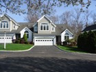 Condominio for  sales at Beautiful Elegant End Unit Townhouse 61 Hilary Circle   Fairfield, Connecticut 06825 Stati Uniti