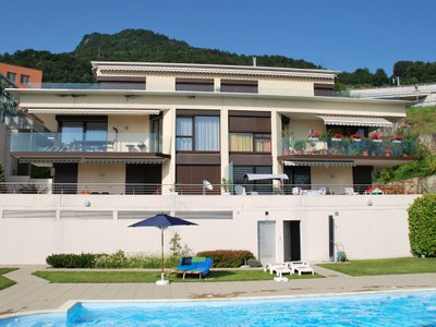 Condominio for sales at Lovely apartment with panoramic views of Lake Gene  Chernex-Sur-Montreux, Vaud 1822 Suiza