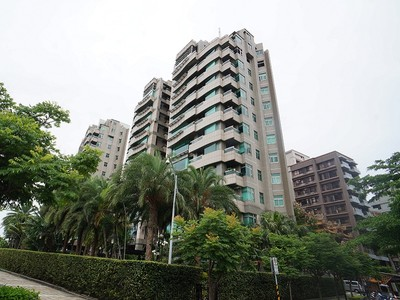 公寓 for sales at Empire Gardens One Jihu Rd., Zhongshan Dist., Taipei City, Taiwan 104 台湾
