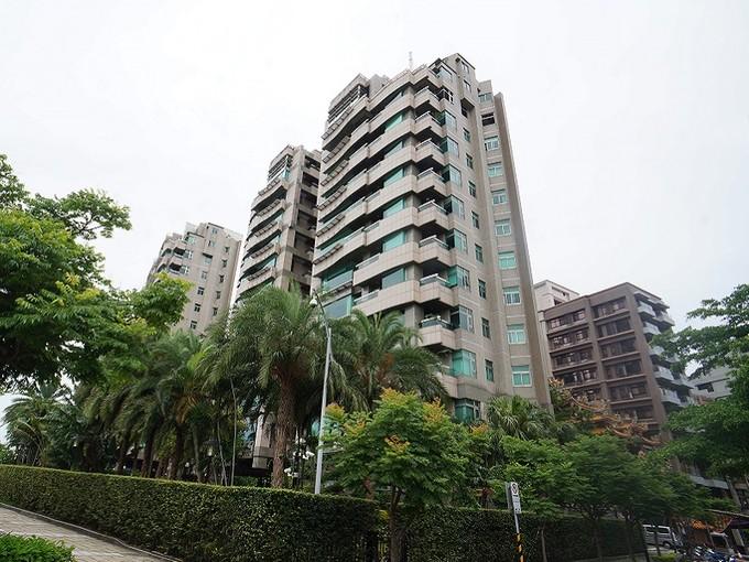 Apartman Dairesi for sales at Empire Gardens One Jihu Rd., Zhongshan Dist., Taipei City, Taiwan 104 Tayvan