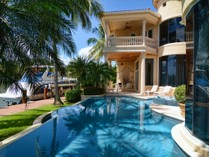 Einfamilienhaus for sales at 832 Harbour Isles Place   Harbour Isles, North Palm Beach, Florida 33408 Vereinigte Staaten
