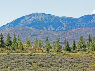Land for sales at PROMONTORY LOT-PRICED TO SELL! 2571 Saddlehorn Dr Lot #9 Park City, Utah 84098 United States