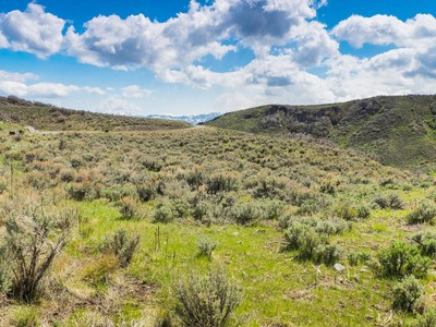 Land for sales at 1.15 AC homesite located in the North Gate Canyon neighborhood 1169 Canyon Gate Rd Park City, Utah 84098 United States
