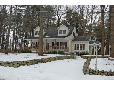 Einfamilienhaus for sales at Beautiful Cape Style Home 53 Water Street Glens Falls, New York 12801 Vereinigte Staaten