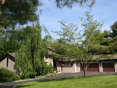 단독 가정 주택 for sales at Impressive Contemporary 197 NORTH STREET Ridgefield, 코네티컷 06877 미국