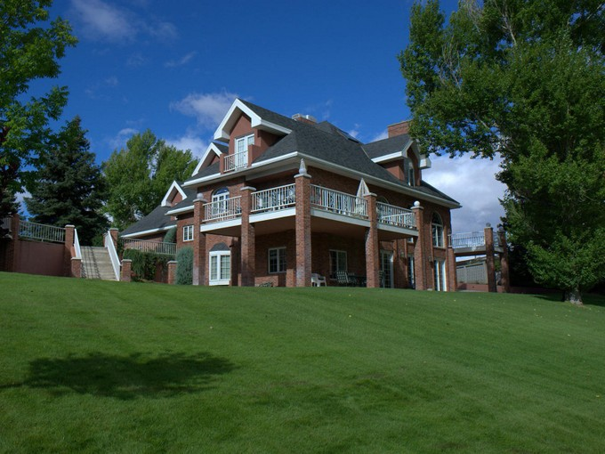 Einfamilienhaus for sales at Toad Hall Manor 1 Green Lane Butte, Montana 59701 Vereinigte Staaten
