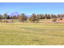 Moradia for sales at Grand NW Timber Home on 25 Acres With Views 18424 Couch Market Road   Bend, Oregon 97701 Estados Unidos