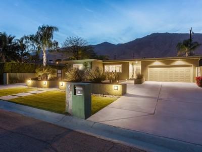 Moradia for sales at Sunny Dunes 675 South Indian Palm Springs, Califórnia 92264 Estados Unidos