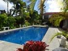 Casa para uma família for  rentals at Kailua Paradise 70 Namala Place Kailua, Havaí 96734 Estados Unidos
