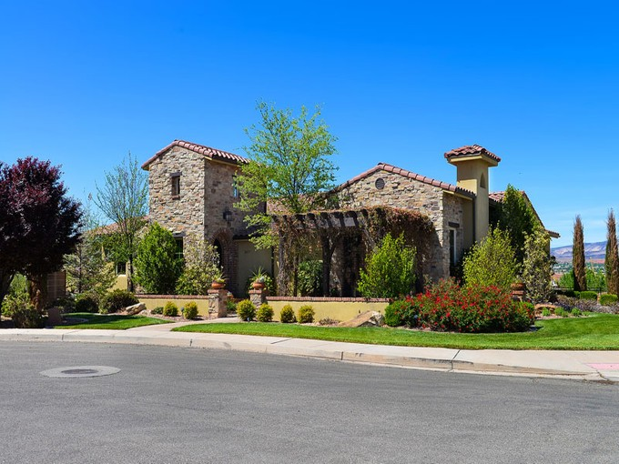 Casa Unifamiliar for sales at A Bit of Tuscany in St. George 2627 E 1400 S St. George, Utah 84790 Estados Unidos