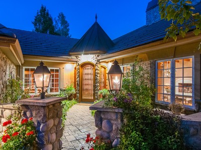 Einfamilienhaus for sales at 18 Club Ln   Littleton, Colorado 80123 Vereinigte Staaten