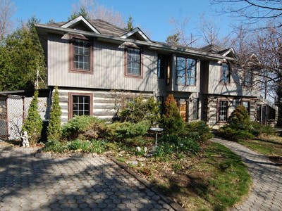Single Family Home for sales at Caledon Home on 1 Acre Parcel 10734 Halls Lake Side Rd Caledon, Ontario L7E3R8 Canada