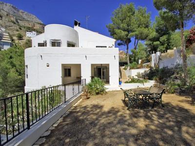 独户住宅 for sales at Homely Villa near all amenities, Sierra Altea  Altea La Vieja, Valencia 03599 西班牙