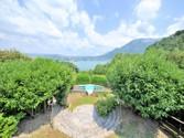 Maison unifamiliale for sales at Superbe propriété avec vue lac  Annecy,  74000 France