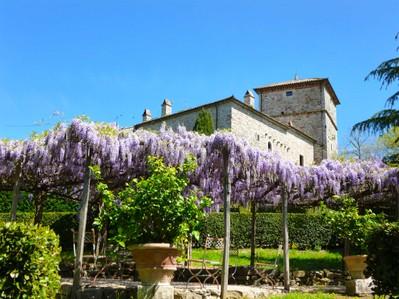 Villa for vendita at Affascinante castello con torre di avvistamento nei pressi di Todi Porchiano Todi, Perugia 06059 Italia
