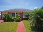 Maison unifamiliale for  sales at 11th Street Home Spanish Wells, Eleuthera Bahamas