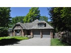 Single Family Home for  sales at Secluded In-Town Setting Niagara On The Lake, Ontario Canada