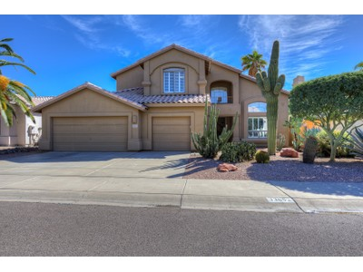 Casa para uma família for sales at Lovely Impeccably Detailed Two Story Four Bedroom Scottsdale Home 13693 N 93rd Way  Scottsdale, Arizona 85260 Estados Unidos
