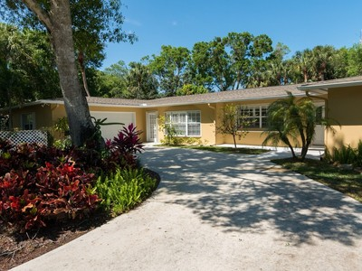 Einfamilienhaus for sales at Pool Home in Silver Oak Estates 1670 51st Ct Vero Beach, Florida 32966 Vereinigte Staaten