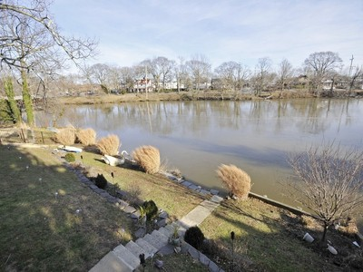 Einfamilienhaus for sales at Lake Front 485 S. Edgemere Ocean, New Jersey 07711 Vereinigte Staaten