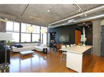 Eigentumswohnung for sales at Spacious And Rare Three Bedroom 156 Porter Street Unit 447  East Boston, Boston, Massachusetts 02128 Vereinigte Staaten