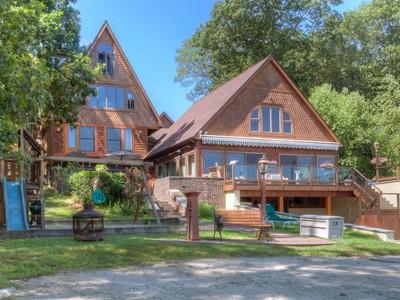 Vivienda unifamiliar for sales at The Lake House 1439 Old Colchester Road Oakdale, Connecticut 06370 Estados Unidos