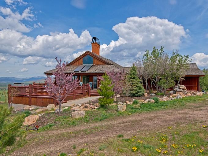 Fazenda / Quinta / Rancho / Plantação for sales at Beautiful Home on 53 Acres of Horse Property 1099 East 2700 North   Marion, Utah 84036 Estados Unidos