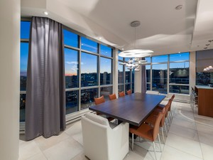 Additional photo for property listing at Spectacular PH  Montreal, Quebec H3G 0A2 Canadá