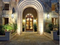 コンドミニアム for sales at Sophisticated Contemporary Luxury Condo Residence In The Scottsdale Waterfront 7181 E Camelback Rd #402   Scottsdale, アリゾナ 85251 アメリカ合衆国