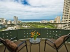 Кооперативная квартира for  rentals at Lanikea Sunset 421 Olohana St #2601 Honolulu, Гавайи 96815 Соединенные Штаты