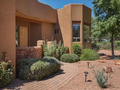 Casa Unifamiliar for sales at Tranquil Sedona Setting 45 Prairie Circle Sedona, Arizona 86351 Estados Unidos