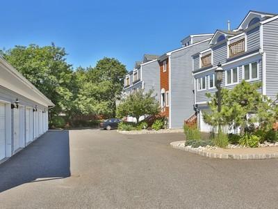Condomínio for sales at Harbor View 135-3A First Street  Keyport, Nova Jersey 07735 Estados Unidos