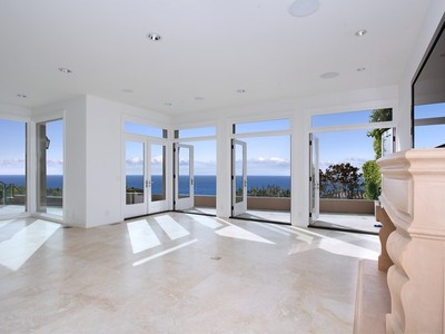 Villa for sales at 526 Emerald Bay  Laguna Beach, California 92651 Stati Uniti