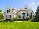 Maison unifamiliale for  sales at Stunning Home on the 9th Green 15960 Bridgewater Club Blvd  Carmel, Indiana 46033 États-Unis