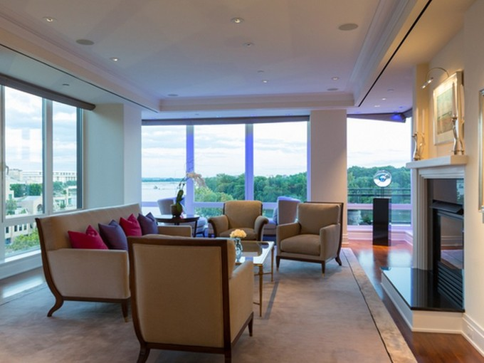 Condominio for sales at The Residences at The Ritz-Carlton 3150 South Street Nw PH1D Washington, Distretto Di Columbia 20007 Stati Uniti