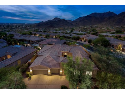 Casa Unifamiliar for sales at Stunning Remodel Completed In 2014 Offers Incredible Views & Is Move-In Ready 11348 E Greenway Rd Scottsdale, Arizona 85255 Estados Unidos
